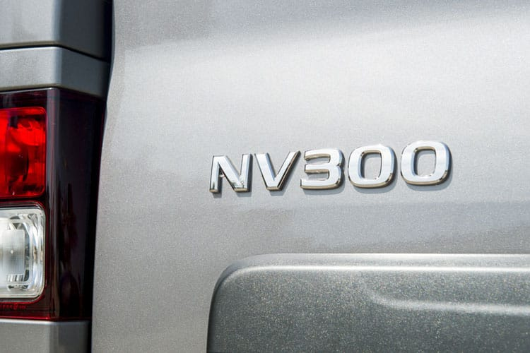 Nissan NV300 L1 30 M1 2.0 dCi FWD 120PS Acenta Combi Manual detail view